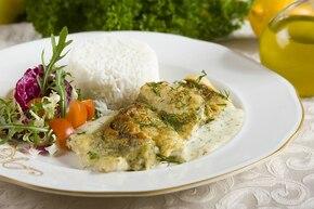 Ryba zapiekana w sosie koperkowym