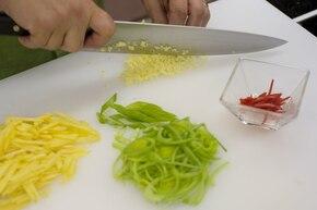 Ryż z kurczakiem, warzywami i owocami – krok 4
