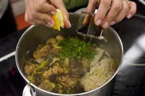 Ryż z kurczakiem, warzywami i owocami – krok 6