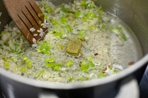 Ryżowa sałatka z porem – krok 2