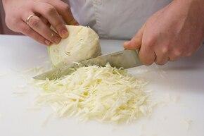 Sałatka coleslaw – krok 1