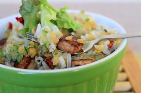 Sałatka ryżowa z tofu