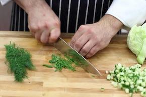 """Sałatka """"Tzatziki"""" z kurczakiem  – krok 4"""