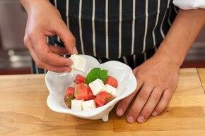 Sałatka z arbuzem i serem feta – krok 5