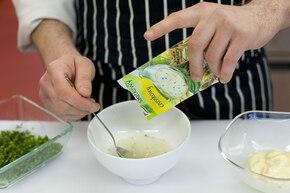 Sałatka z brokułów i kalafiora – krok 3
