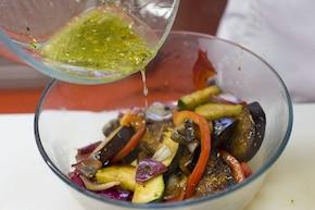 Sałatka z grillowanych warzyw – krok 4