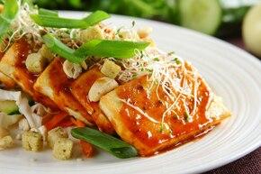 Sałatka z marynowanym tofu