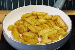 Sałatka z młodych ziemniaków – krok 2