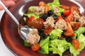 sałatka z tuńczyka i pomidorów – krok 5