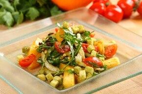 Sałatka z selera i ananasa  – krok 6