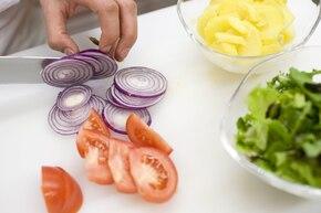Sałatka z ziemniakami i tuńczykiem – krok 2