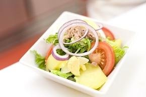 Sałatka z ziemniakami i tuńczykiem – krok 4