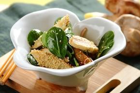 Sałatka ze szpinakiem w orientalnym stylu