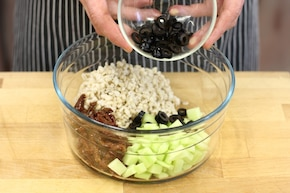 Sałatka z pęczakiem – krok 4