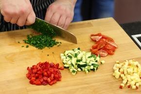 Sałatka z soczewicą i warzywami – krok 3