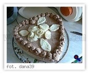 Serduszko walentynkowe <tort>