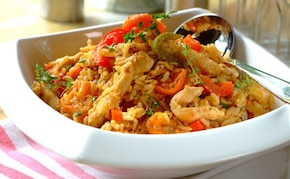 Smażony ryż z kurczakiem i morelami