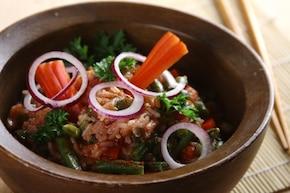 Smażony ryż z sosem słodko-kwaśnym