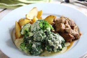 Karkówka z brokułami