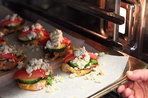 Soczyste polędwiczki wieprzowe zapiekane z niebieskim serem  – krok 5