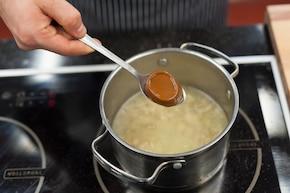 Sos grzybowy z boczniaka – krok 2