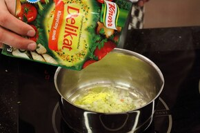 Sos majonezowo – cebulowy – krok 2