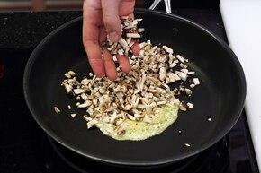 Sos pieczarkowy ostry – krok 2