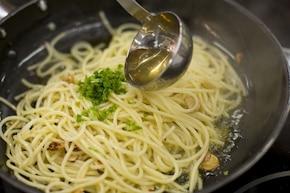 Spaghetti aglio olio – krok 2