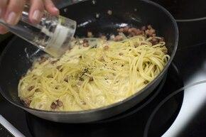 Spaghetti alla carbonara – krok 6