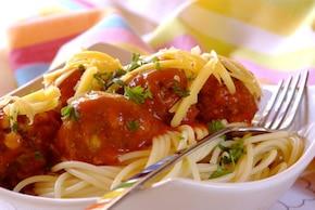 Spaghetti z aromatycznymi klopsikami