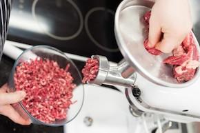Mięso na burgery – krok 1
