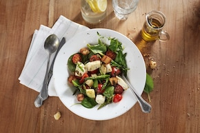 Śródziemnomorska sałatka z mozzarellą