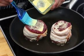 Stek z polędwicy wołowej z puree ziemniaczano-selerowym – krok 1