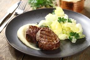 Stek wołowy z puree z ziemniaków i kalafiora