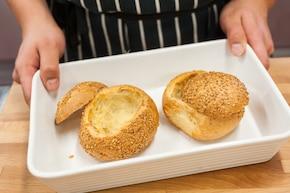 Strogonow podany w chlebku  – krok 6