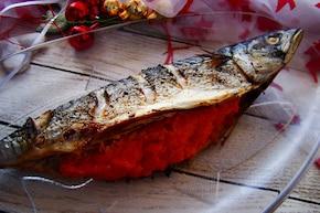 Świąteczna makrela z marchewkowym farszem