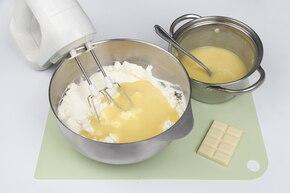 Sernik z białą czekoladą – krok 4