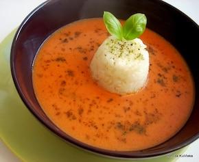 Szybka pomidorowa ziołami i ryżem