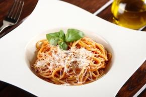 Szybkie spaghetti all'amatriciana