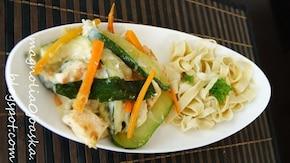 Tagliatelle z warzywami w sosie śmietanowym