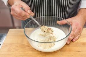 Tagliatelle  z grillowanym  kurczakiem w sosie z niebieskiego sera – krok 3