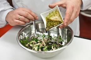 Pieczarki z oliwkami – krok 4