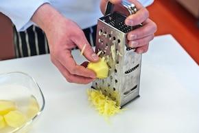 Tortilla ze szpinakiem i jajkiem – krok 2