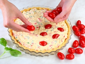 Tarta z fetą i pomidorami – krok 6