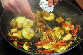 Tofu obtoczone curry z warzywami – krok 5