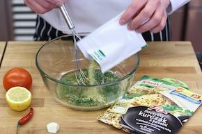 Tołpyga w pomidorach i pergaminie – krok 2