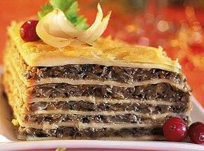 Tort naleśnikowy z żółtym serem