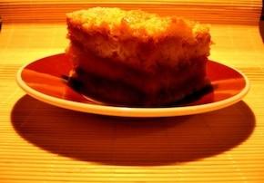 Tort sypany z jabłkami