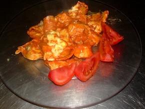 Tortellini w serowo – pomidorowym sosie z kurczakiem