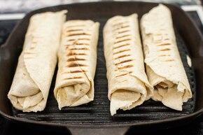 Tortilla z kurczakiem z grilla – krok 5